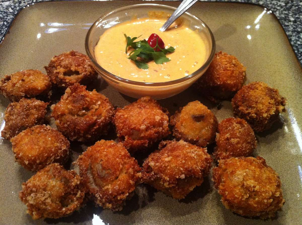 Low Carb Deep Fried Mushrooms with Red Pepper Aioli Dipping Sauce