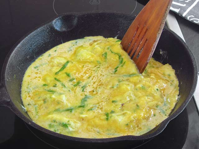 Herbed Omelet for Fat Fast - Low Carb, Keto