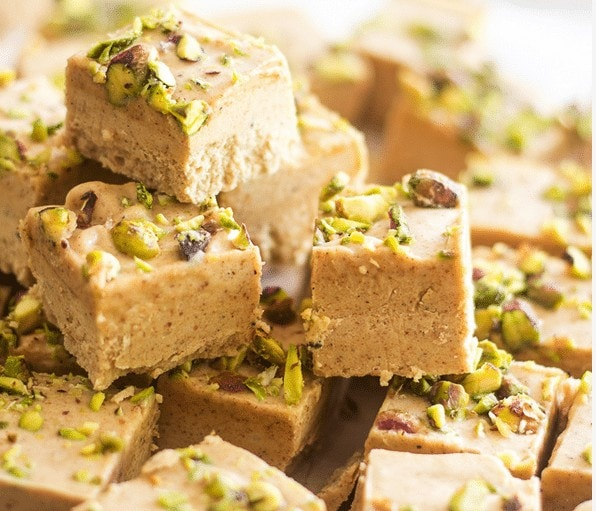 Almond Pistachio Fat Bombs - Low Carb Fat Bomb Recipe Round Up | Peace Love and Low Carb