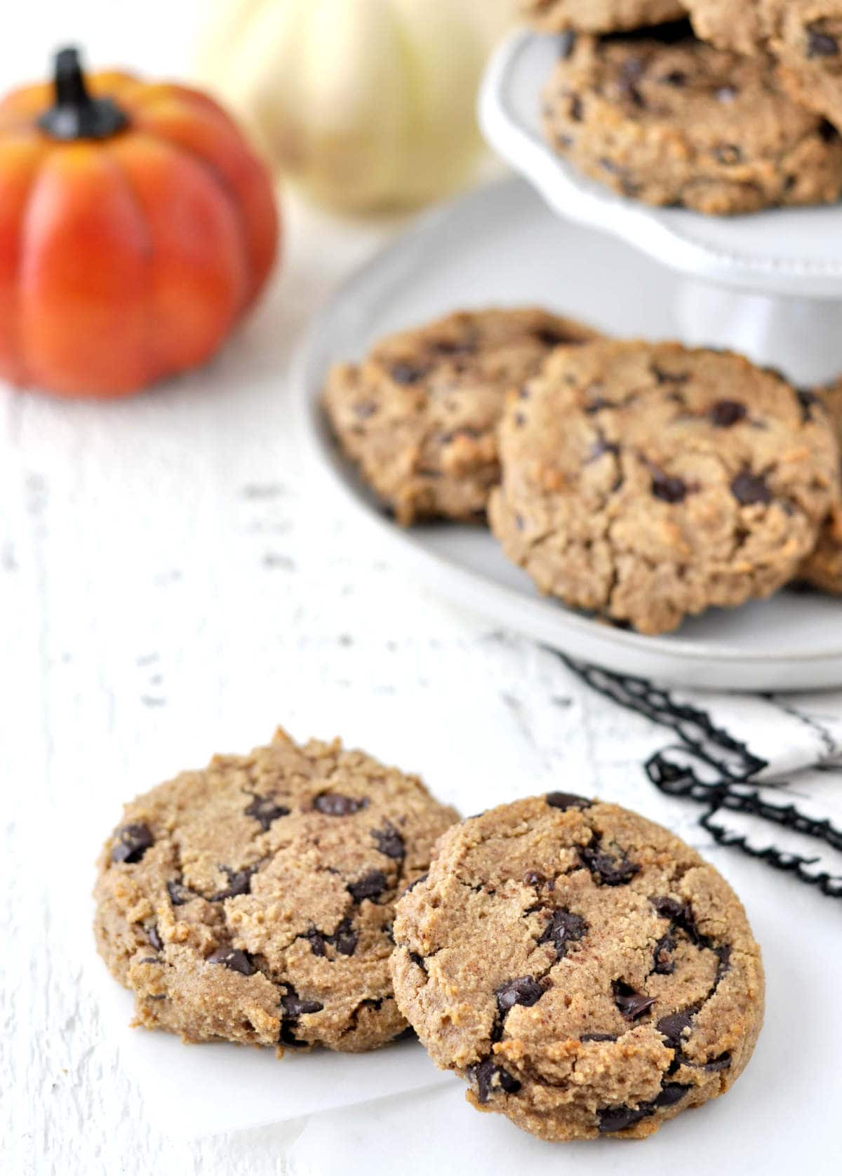 Keto Pumpkin Spice Chocolate Chip Cookies | Peace Love and Low Carb