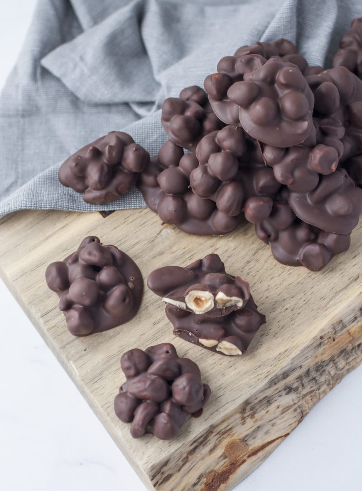 Keto Chocolate Nut Clusters | Peace Love and Low Carb